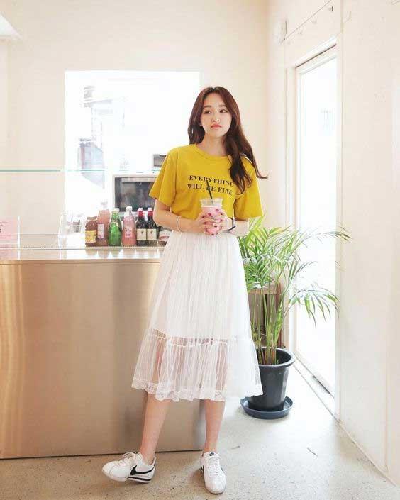 Tips Memilih Baju Untuk Wanita Yang Bertubuh Kurus - Pililah Pakaian Model Atasan Dan Bawahan