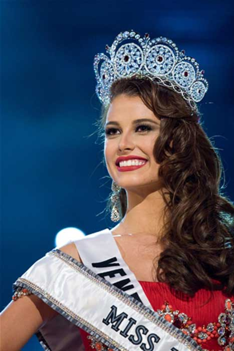 Pemenang Miss Universe Dari Waktu Ke Waktu - Stefanía Fernández - 2009