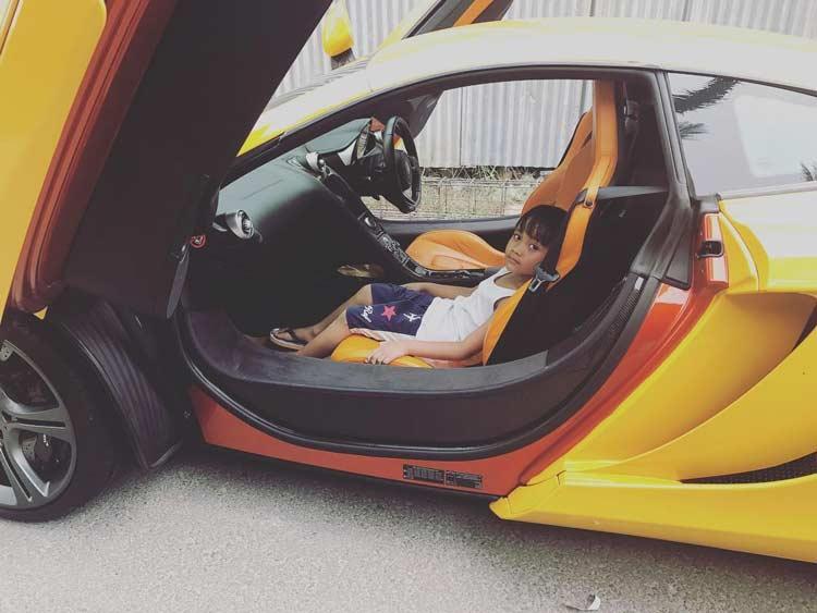 Deretan Artis Indonesia Yang Memiliki Mobil Mewah - Sule