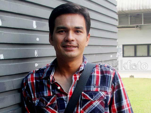 Daftar Pemain Sinetron Cinta Yang Hilang RCTI - Teddy Syach sebagai Yudha/Dani
