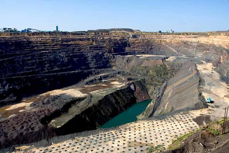 Negara Penghasil Emas dan Permata Terbesar di Dunia Bostwana