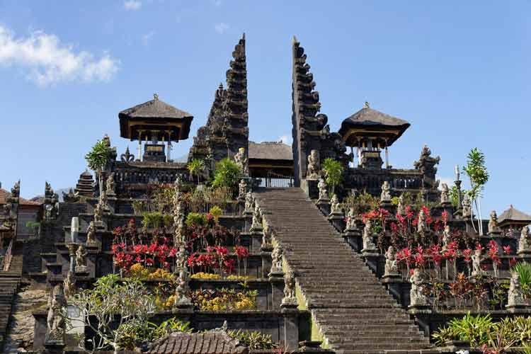 Fakta Seputar Bali yang Bias Membuat Kalian Tercengang Bali bukan pulau seribu Pura