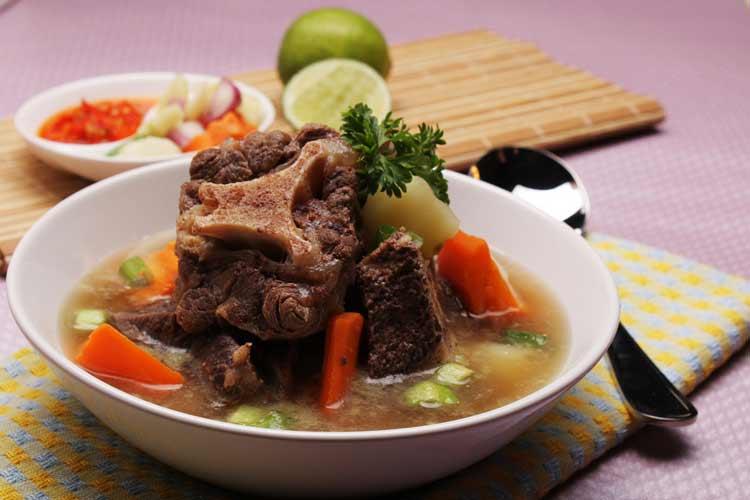 Daftar Masakan Indonesia yang Terkenal di Mancanegara Sop Buntut