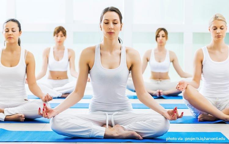 Daftar Olahraga yang Bagus Untuk Menjaga Kesehatan Jantung Yoga