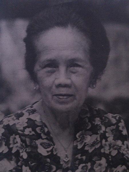 Daftar Orang Indonesia yang Paling Pertama - Dolly Salim (Orang Indonesia pertama yang menyanyikan Indonesia Raya)