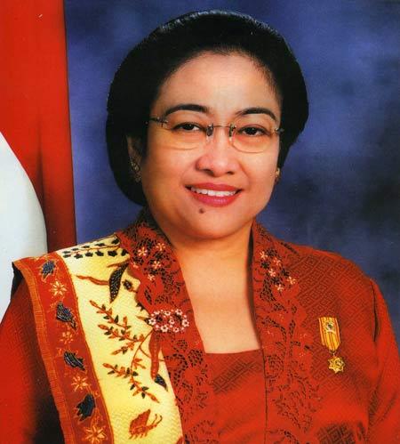 Daftar Orang Indonesia yang Paling Pertama - Megawati Soekarnoputri (Presiden Wanita pertama Indonesia)