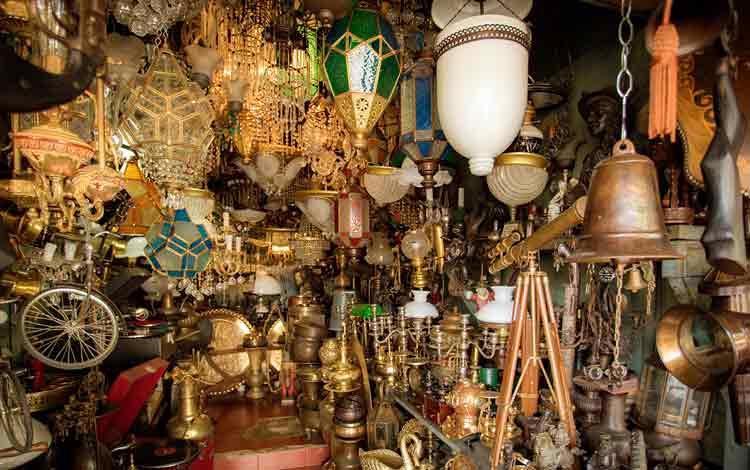Pasar Barang Antik di Indonesia - Jalan Surabaya, Jakarta