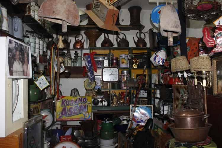 Pasar Barang Antik di Indonesia - Pasar Elektronik Cikapundung, Bandung