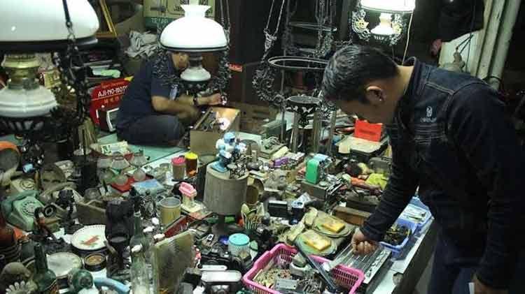 Pasar Barang Antik di Indonesia - Pasar Klitikan Niten, Jogjakarta