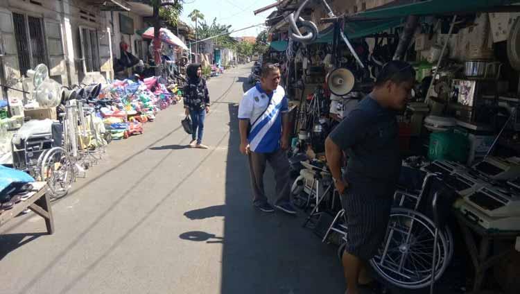 Pasar Barang Antik di Indonesia - Pasar Gembong, Surabaya