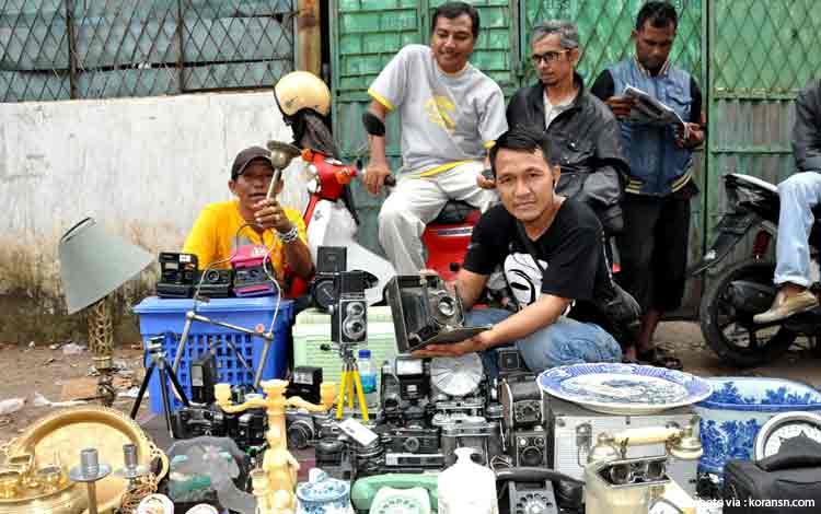 Pasar Barang Antik di Indonesia - Pasar Cinde, Palembang
