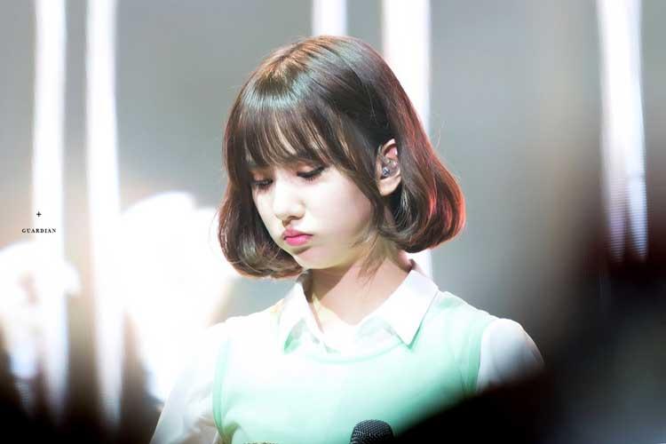 Gaya Rambut Idol Kpop Wanita Yang Trend - Short Hair with C-Curl