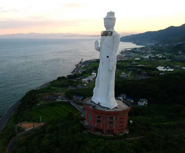 Daftar Patung Tertinggi Di Dunia - Awaji Kannon