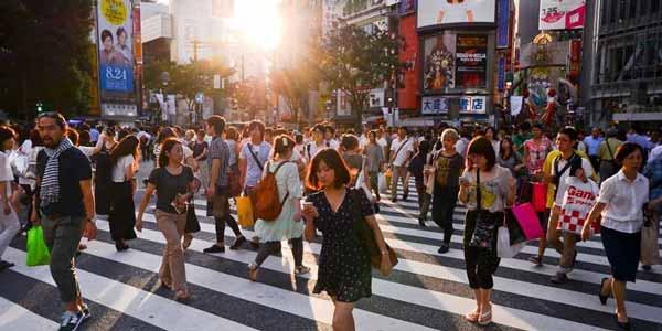 Berbagai Budaya Positif Jepang Yang Patut Dicontoh Dan Ditiru - Berjalan kaki adalah prioritas utama ketika berpergian