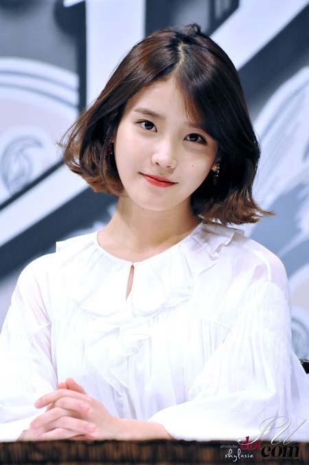 Idol Kpop Tercantik - IU