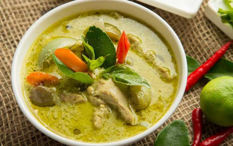 Makan Khas Thailand Yang Enak Dan Cocok Untuk Lidah Orang Indonesia - Kaeng Khiao Wan