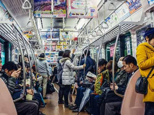 Berbagai Budaya Positif Jepang Yang Patut Dicontoh Dan Ditiru - Lebih memilih transportasi umum daripada kendaraan pribadi