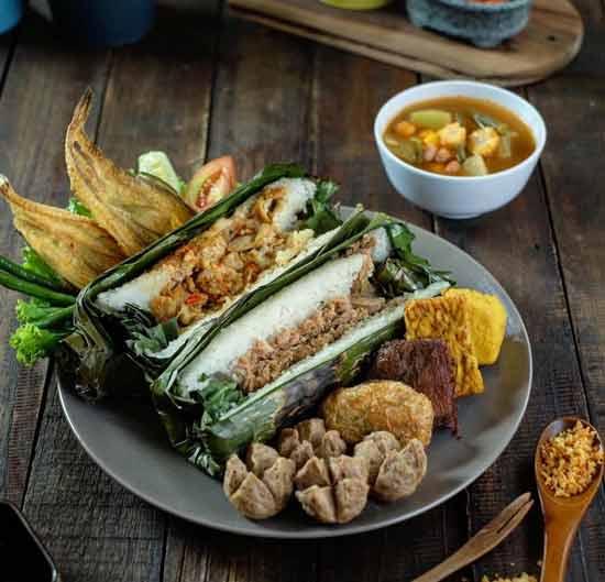 Makanan Dan Minuman Khas Bandung - Nasi Timbel