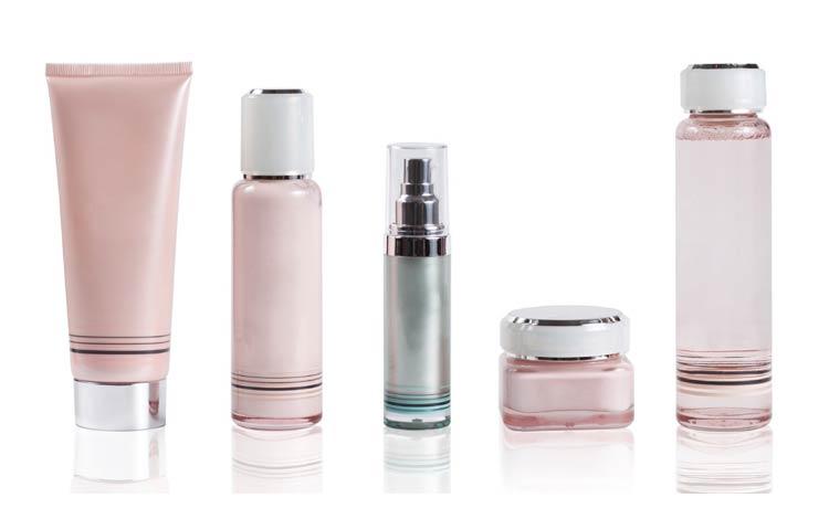 Kebiasaan Yang Bisa Memperparah Jerawat - Menggunakan Kosmetik Yang Salah