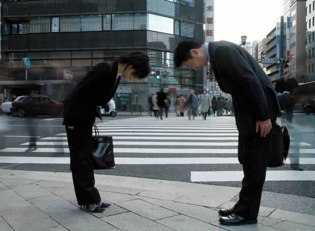Berbagai Budaya Positif Jepang Yang Patut Dicontoh Dan Ditiru - Menjunjung tinggi sopan santun