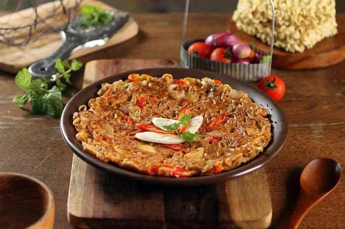 Aneka Kreasi Indomie Yang Enak Dan Unik - Omelette Indomie
