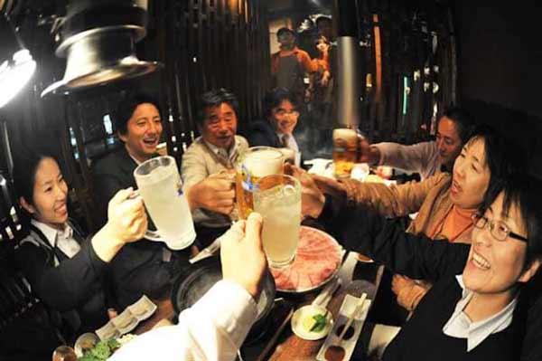 Berbagai Budaya Positif Jepang Yang Patut Dicontoh Dan Ditiru - Tak kenal istilah traktir mentraktir