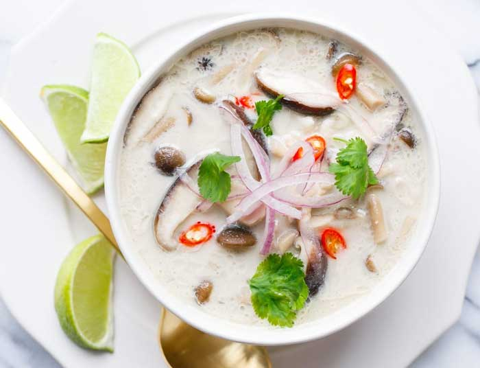 Kuliner khas Thailand - Tom Kha Kai (Chicken in Coconut Soup)