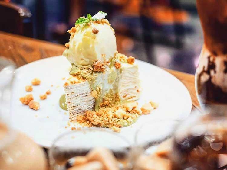 Tempat Makan Es Krim Yang Enak Di Surabaya - Pancious Pancake House