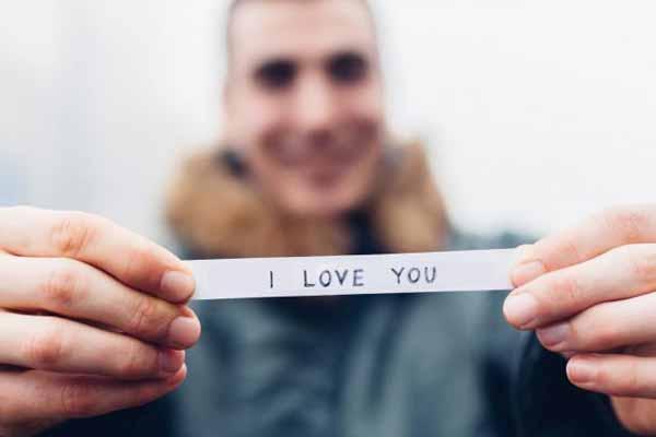 alasan kenapa kamu nggak usah malu mengungkapkan perasaan cinta