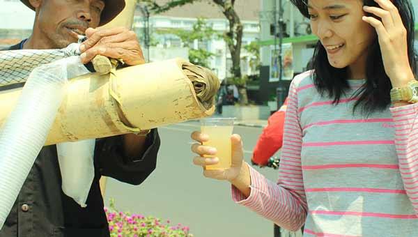 Berbagai Minuman Tradisional Indonesia Yang Enak Dan Menyehatkan - Minuman Lahang