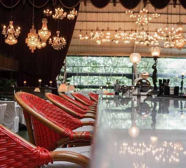 Tempat makan romantis di Jakarta - Potato Head Garage