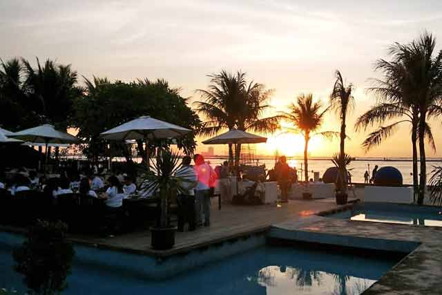 Tempat makan romantis di Jakarta - Segarra Seaside Escape