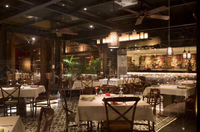 Tempat makan romantis di Jakarta - Plataran Dharmawangsa