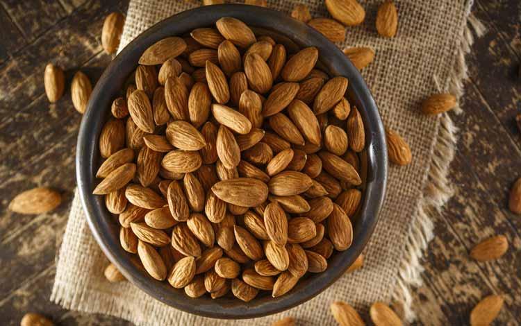 Makanan Untuk Kesehatan Jantung - Almond