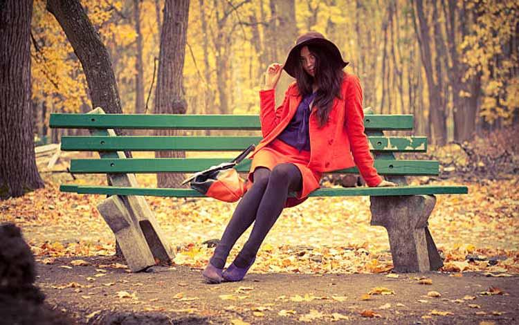 Karakter Dan Sifat Cewek Berdasarkan Cara Duduk