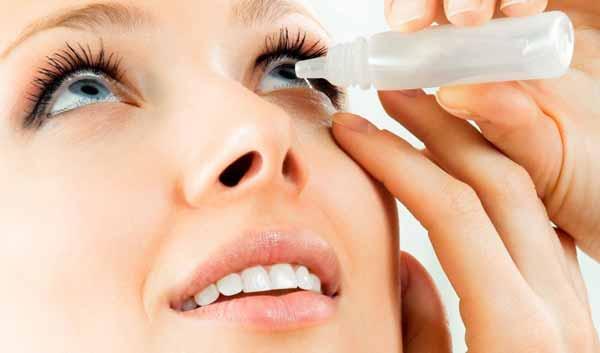 Tips Agar Wajah Selalu Terlihat Segar Dan Bercahaya - Gunakan obat tetes pelembab mata