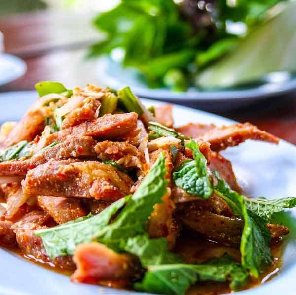 Deretan Makanan Thailand Yang Enak Dan Lezat - Nam Tok Moo