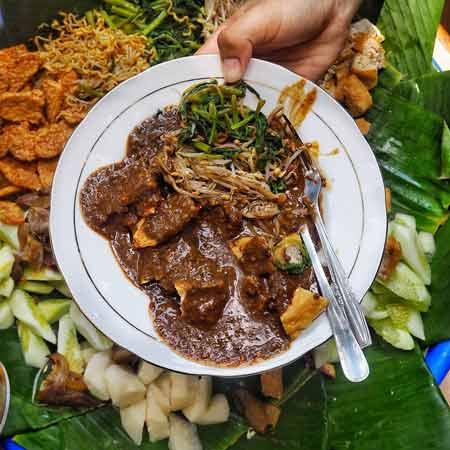 Jenis Rujak Yang Ada Di Indonesia - Rujak Cingur
