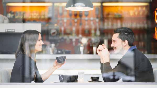 Tips Menyatakan Cinta Bagi Orang Pemalu