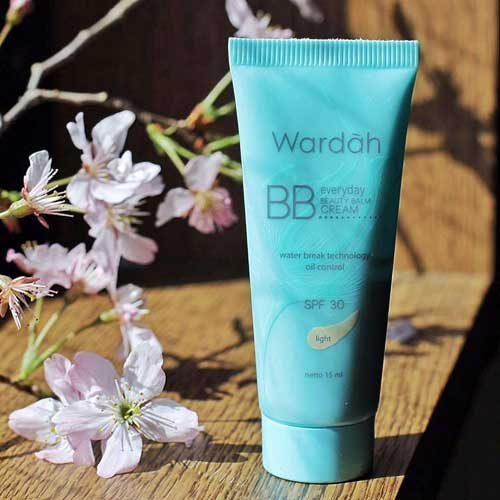 Produk Kosmetik Wardah Terpopuler - Wardah BB Cream