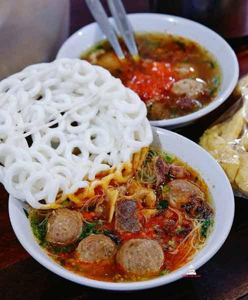 Tempat makan bakso terenak di Jakarta - Bakso Mas Kumis Djarum