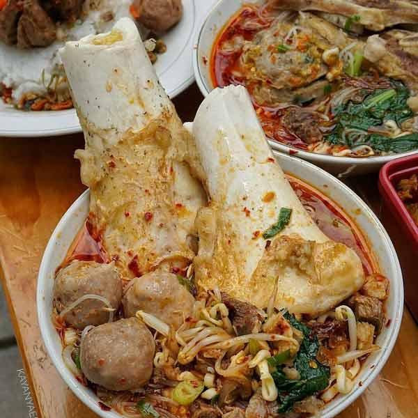 Tempat makan bakso terenak di Jakarta - Bakso Tigan