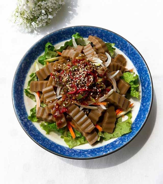 Makanan Korea Dengan Rasa Yang Super Lezat - Dotori-muk