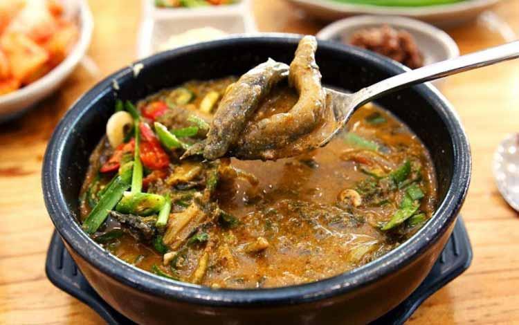 Makanan Korea Dengan Rasa Yang Super Lezat - Mudfish Soup