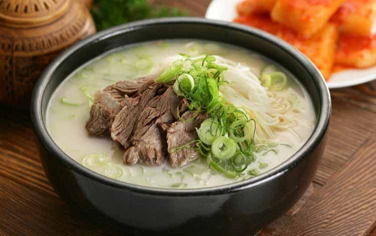 Makanan Korea Dengan Rasa Yang Super Lezat - Seolleongtang