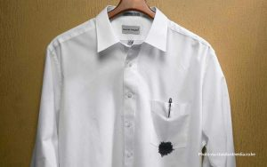 Cara menghilangkan noda tinta pada baju