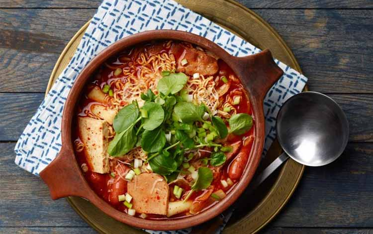 Masakan Korea Enak dan Lezat - Budae Jjigae