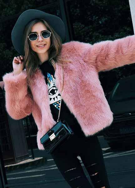 Aneka Model Jaket Wanita Yang Bakal Membuatmu Tampil Makin Gaya - Faux-Fur Jacket