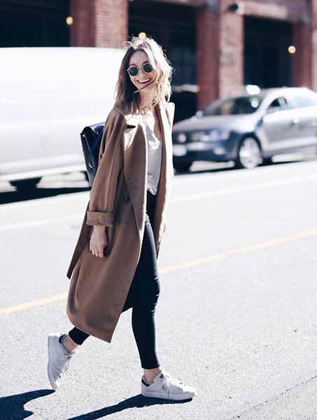 Aneka Model Jaket Wanita Yang Bakal Membuatmu Tampil Makin Gaya - Long coat