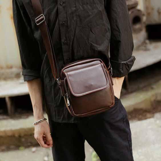 Berbagai Jenis Tas Pria - Shoulder Bag